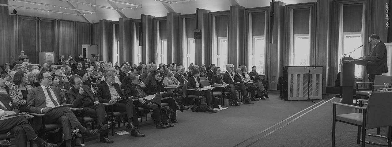 """Tagung: 75 Jahre Befreiung des Konzentrationslagers Auschwitz - """"Die Auseinandersetzung mit der Geschichte ist nie abgeschlossen"""""""